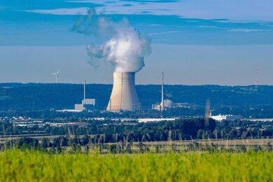Noch liefern sie Strom: Die Atomkraftwerke Isar 1 und Isar 2 in Bayern.