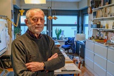 Hat Alltagsdingen ihre Form gegeben: Gestalter Karl Clauss Dietel in seinem Chemnitzer Atelier.