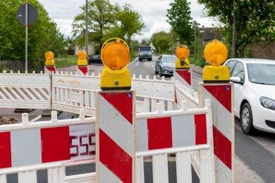 Behinderungen im Straßenverkehr auf der Rochlitzer Straße in Erlau.
