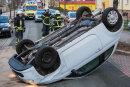 Auf der Rochlitzer Bismarckstraße hat sich am Donnerstag ein Auto überschlagen.