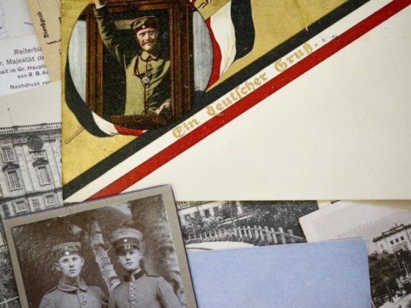 Historische Feldpostkarten aus der Zeit des ErstenWeltkrieges - nicht immer erzählte die Postkarte von unbeschwerten Urlaubserlebnissen.