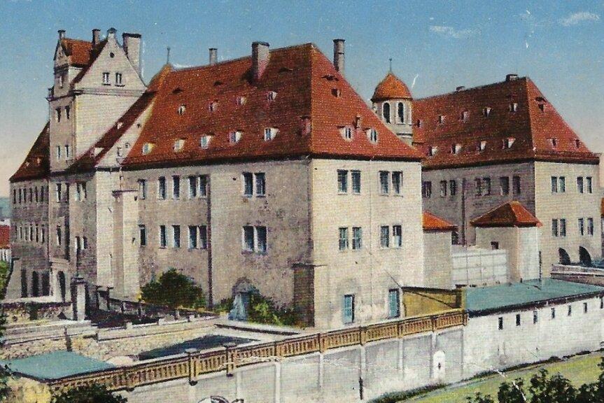 Schloss Osterstein war ab 1933 Schutzhaftlager. Hinter den Mauern prügelte Kurt Bitterlich auf die Häftlinge ein.