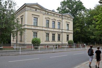 An der Villa Paul-Geipel-Straße 7 muss während der Geocashing-Tour eine Aufgabe gelöst werden.