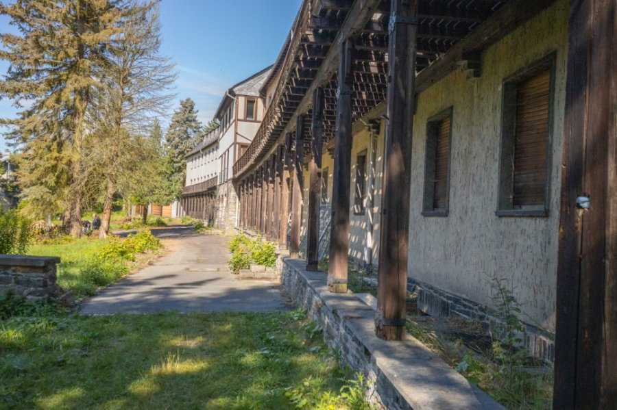 Über 20 Jahre stand das Pawlow Haus in Warmbad leer. Jetzt hat es einen neuen Besitzer, der es zum Hotel umbauen will.