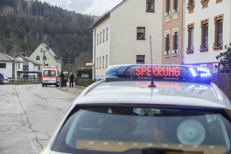 Anwohner in Einsiedel und in Dittersdorf mussten am Donnerstagvormittag ihre Häuser verlassen.