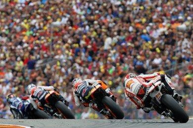 2011 (Foto) kamen an den drei Grand-Prix-Tagen 230.133 Zuschauer zum Sachsenring - der Höchstwert seit Rückkehr der Motorrad-WM 1998 nach Hohenstein-Ernstthal. Vor zwei Jahren waren es 201.162.