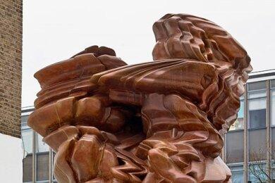 """Zeitgenössische Werke von international renommierten Künstlern - wie die Skulptur """"Stack"""" von Tony Cragg - sollen am Kunst-Weg Purple Path zu sehen sein."""