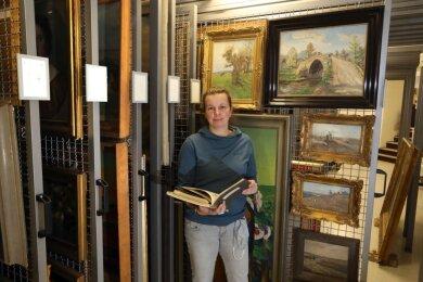 Museumsleiterin Wiebke Glöckner plant, Grafiken und Gemälde, die der Mediziner Paul Geipel dem Haus in den 1940er-Jahren schenkte, auf deren Herkunft untersuchen zu lassen.