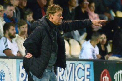 VfB-Trainer Sven Köhler macht gerade schwere Zeiten durch. Seine junge Truppe hat es bis jetzt noch nicht vermocht, ihre Regionalligatauglichkeit nachzuweisen.