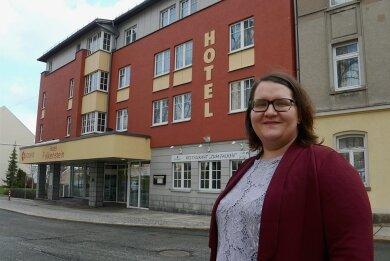 Tabea Schlosser (38) ist Betriebsleiterin des Hotels Falkenstein an der Amtsstraße.