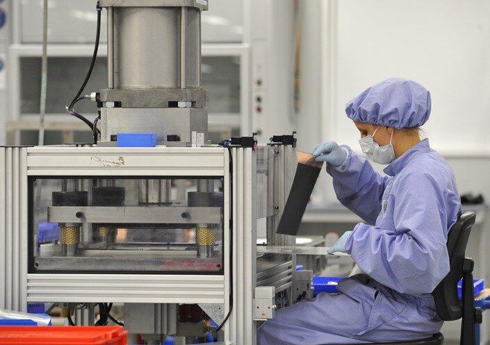 Daimler beschließt Aus für Batteriezellen bei Li-Tec Ende 2015