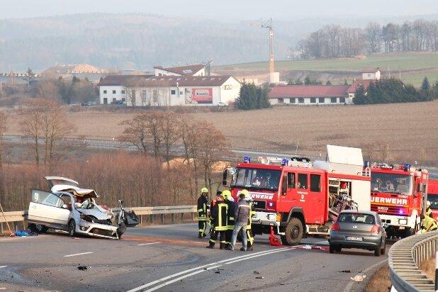 Motorradfahrer stirbt auf Autobahnzubringer