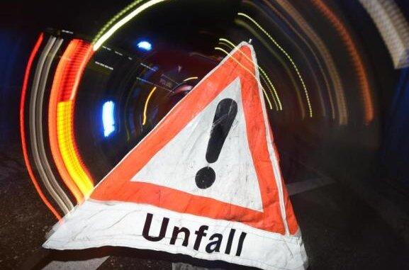 m Donnerstagnachmittag sind zwei Pkw auf der S298 bei Limbach zusammengestoßen. Dabei sind drei Personen schwer verletzt worden.