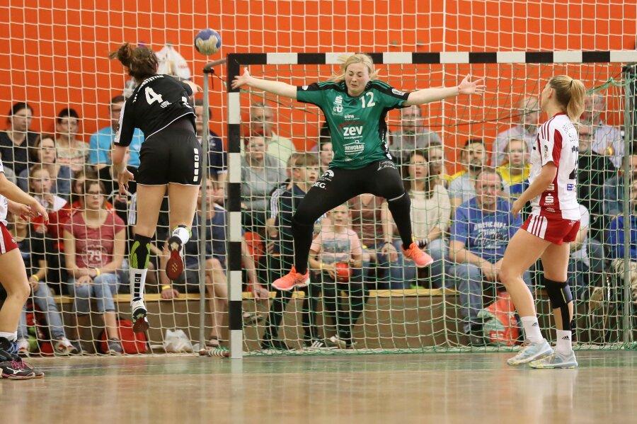 Die Handballerinnen des BSV Sachsen Zwickau haben sich im letzten Heimspiel dem ebenfalls abstiegsgefährdeten TSV Haunstetten mit 24:30 (14:14) geschlagen geben müssen.