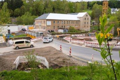 An der Kniebreche direkt an der Bundesstraße 171 soll nach dem Abschluss des Straßen- und Brückenbaus ein Wanderparkplatz entstehen. Aktuell rechnet die Stadt Marienberg mit Kosten in Höhe von 111.000 Euro.