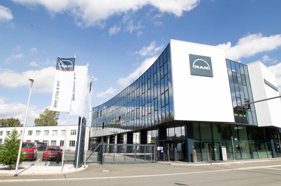 Sachsens Wirtschaftsminister Martin Dulig (SPD) hat den zum VW-Konzern gehörenden Fahrzeugbauer MAN aufgefordert, seine Entscheidung über die geplante Schließung des Standortes Plauen zu revidieren.