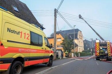 Im September brannte der Dachstuhl eines Mehrfamilienhauses in Neukirchen. Nun wurde der Brandstifter verurteilt.