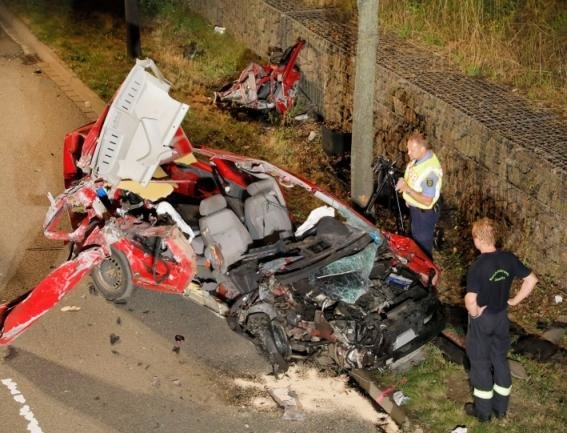 Der 56-Jährige war mit seinem VW Caddy vom Südring abgekommen und gegen eine Brücke geprallt.
