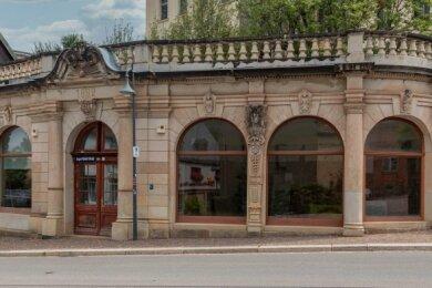Der Laden der Tuchfabrik Otto Ullrich an der August-Bebel-Straße. Die Räume stehen leer.