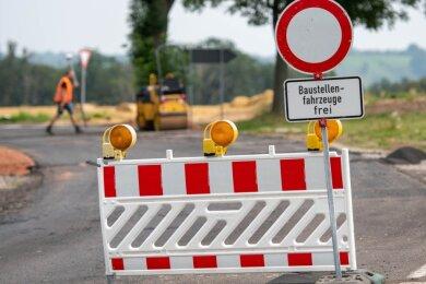 Die B 107 ist zwischen Rochlitz und Colditz bei Seupahn wegen Straßenbauarbeiten voll gesperrt.