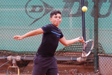 Das Foto von Nasim Star entstand im Sommer beim Vorhand-Training auf der Tennisanlage an der Saarstraße in Zwickau.