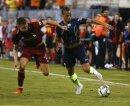 Leroy Sane (r.) trifft für Manchester City