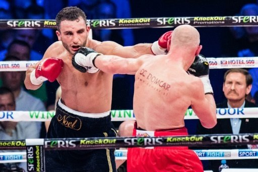 Mikaelian (l.) startet in der World Boxing Super Series
