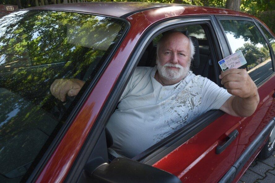 Der Neukirchener Michael Clemens stand im Verdacht, nach einem Zusammenstoß mit einem Transporter Unfallflucht begangen zu haben. Die Fahrt hatte er mit einem Lkw absolviert. Die Fahrerlaubnis blieb dem Handelsvertreter danach für Monate entzogen - zu Unrecht - entschied ein Gericht.