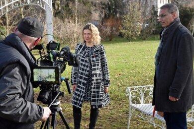 Statt einer Lichtmess-Veranstaltung gestaltet die Stadt Flöha einen filmischen Jahresrückblick. Oberbürgermeister Volker Holuscha und Gastgeberin Sylva-Michéle Sternkopf agieren als Moderatoren. Kameramann Götz Walter gehört zur Film-Crew, die auf Abstandsregeln achten musste.