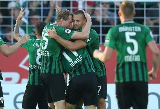 Preußen Münster bejubelt den 1:0-Siegtreffer