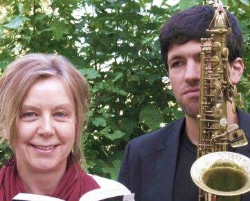 Sylvia Eggert und Karl Helbig gestalten ein poetisch-musikalisches Programm im Bürgerhaus Berthelsdorf.