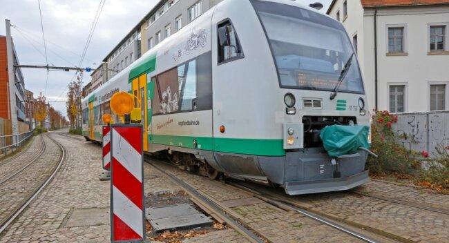 Die störungsanfälligen Weichen, die Zug- und Straßenbahngleise trennen, sollen ausgetauscht werden.
