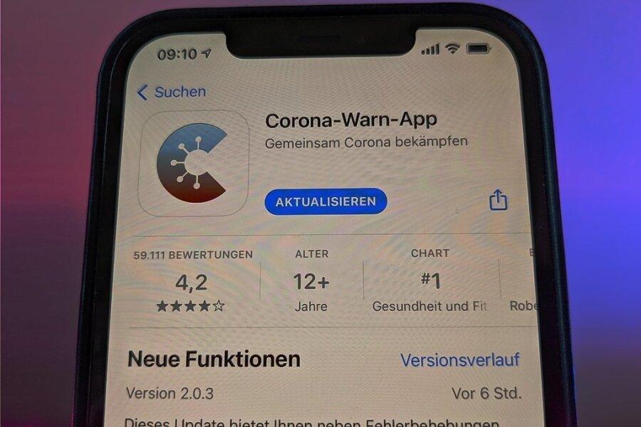 """Die neue Version der Corona-Warn-App des Bundes soll als """"Ausweis"""" die Impfung oder Genesung anzeigen können. Es ist aber auch eine weitere App mit Namen """"Cov-Pass"""" geplant."""