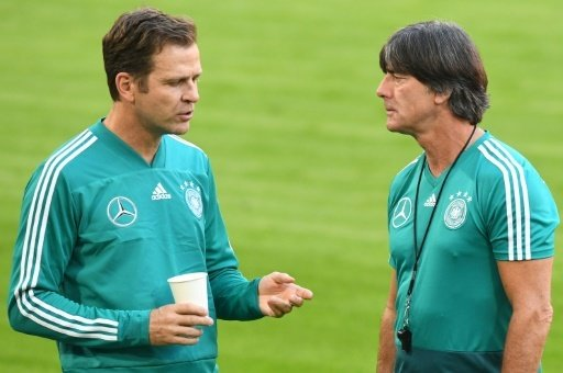Oliver Bierhoff (l.) mit Joachim Löw