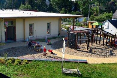 Auch für die Betreuung der Kinder im neuen Kindergarten in Rossau müssen Eltern künftig höhere Beiträge leisten.