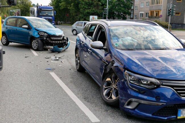 Am frühen Mittwochabend kollidierten zwei Fahrzeuge auf der Leipziger Straße.