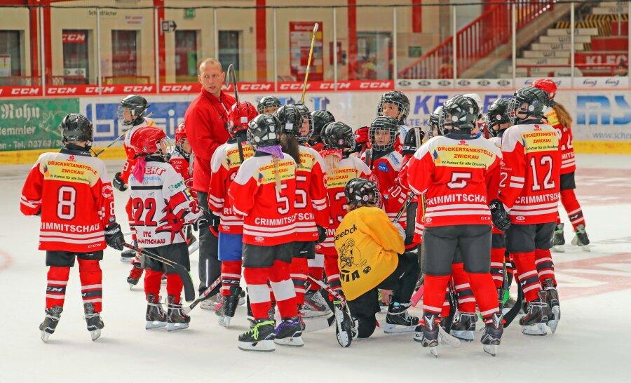 Torsten Heine bleibt sportlicher Leiter des Eishockey-Nachwuchses.