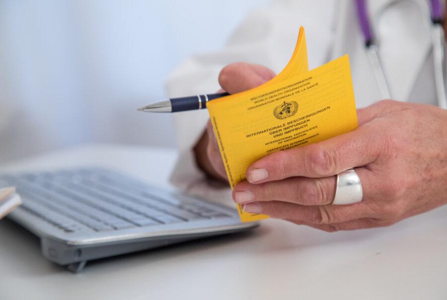 Ab Montag sollen Geimpfte einen digitalen Nachweis für den Coronaschutz bei Apotheken erhalten. Auch in Mittelsachsen erwarten Apotheker nach der Ankündigung aus dem Bundesgesundheitsministerium einen Ansturm von Interessenten.