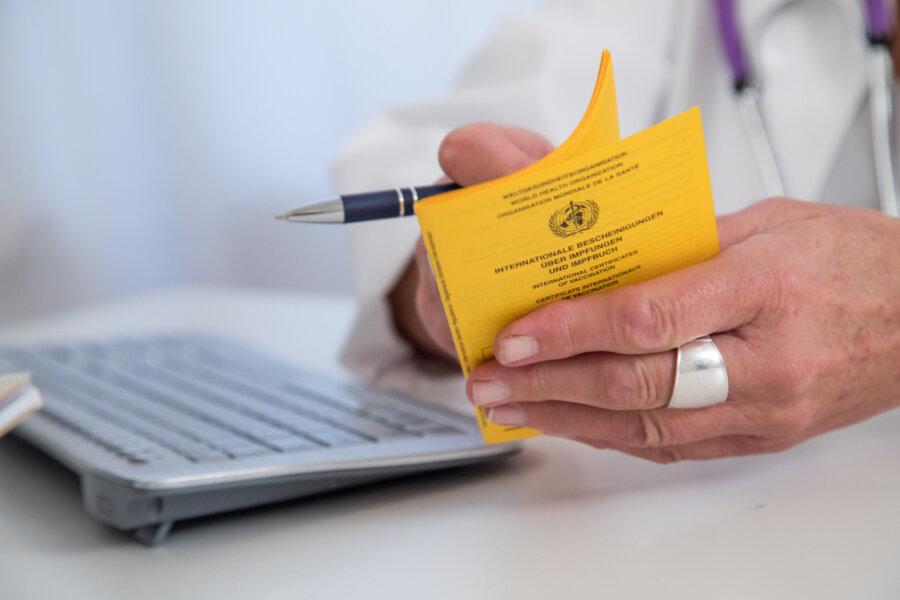 Zwickauer Landrat Scheurer fordert Imfpfreigabe