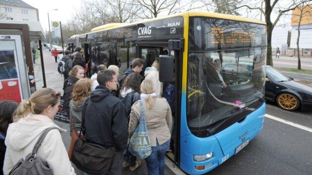 Fahrgäste dürfen nur noch vorn einsteigen