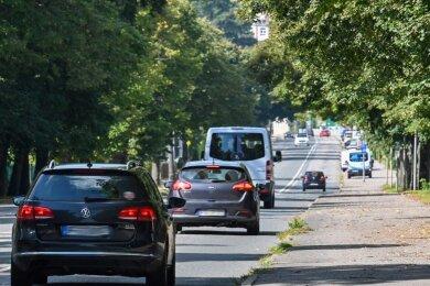 Die ehemalige Bundes- und heutige Kreisstraße in Hartmannsdorf soll auf zwei Fahrbahnen zurückgebaut werden.