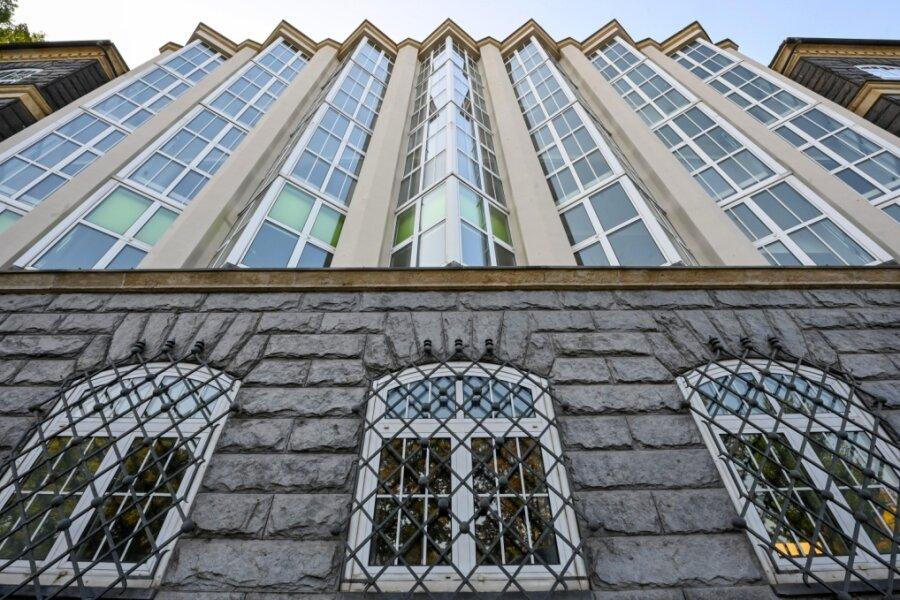 Die markante Fassade der Firma von Hans Bernstein hat das Architekturbüro Kornfeld & Benirschke 1924 entworfen.