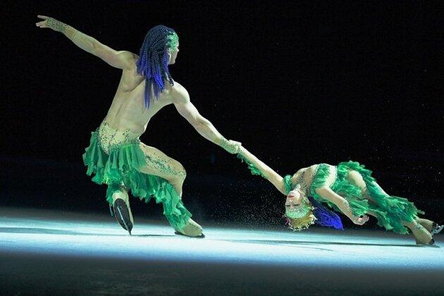 """Matti Landgraf mit der US-Amerikanerin Caydee Denney während der """"Atlantis""""-Aufführung."""