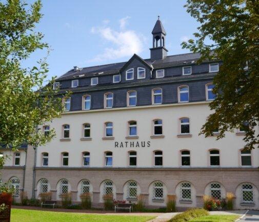 Wer sitzt ab November auf dem Chefsessel im Schwarzenberger Rathaus? Am 20. September wird gewählt. Erhält kein Kandidat mindestens 50 Prozent aller Wählerstimmen, ist ein zweiter Wahlgang nötig.