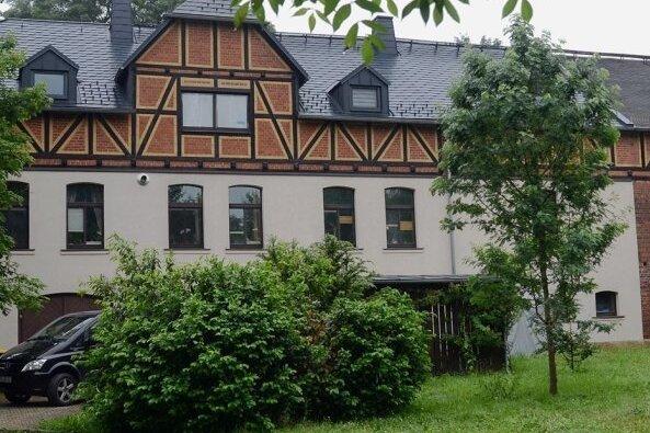 Jugendklub im Rittergut Pfaffengrün: Schlüsselübergabe rückt näher