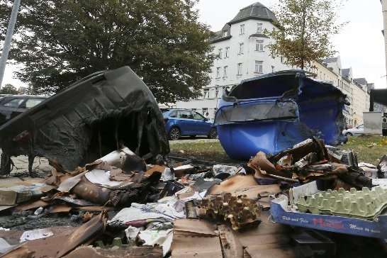 Zwei Container brannten an der Fichtestraße in Chemnitz.