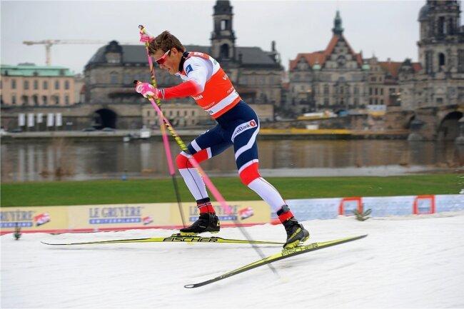 Johannes Hösflot Kläbo bei der Premiere des Weltcupsprints 2018 am Elbufer. Damals musste sich der Norweger Federico Pellegrino beugen.