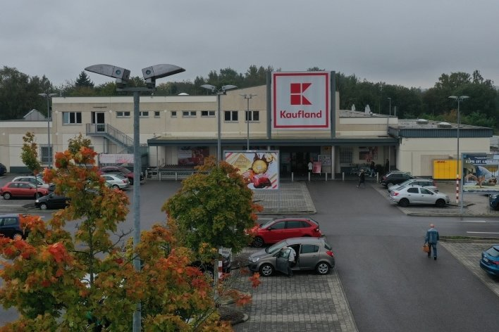 In der Marienthaler Filiale rückten die Sicherheitsleute zum letzten Mal zu einem Beutezug aus. Die Polizei wartete schon auf sie.