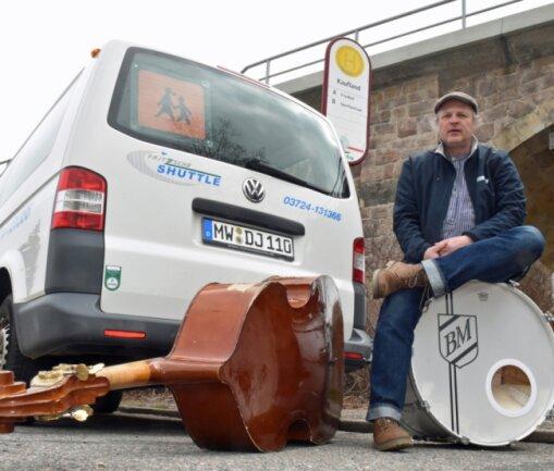 Bodo Martin ist Berufsmusiker. Angesichts geschlossener Veranstaltungstempel hat der Burgstädter temporär umgesattelt. Gegenwärtig fährt er als Dienstleister im Personenverkehr.