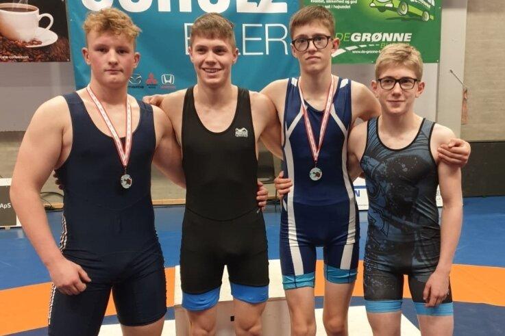 John-Paul Spatschke, Max Schmalfuß, Konrad Schütz und Sebastian Wagner (von links) brachten zwei Medaillen aus Dänemark mit.